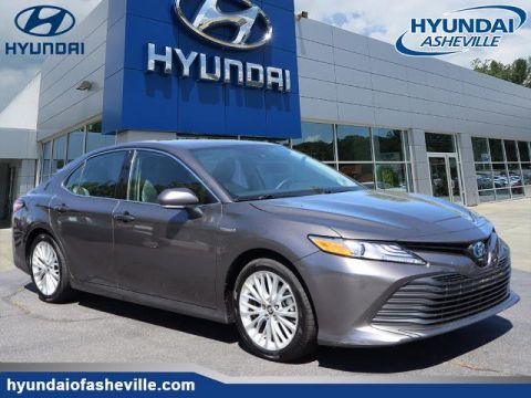 Pre-Owned 2019 Toyota Camry Hybrid XLE