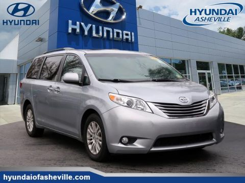 Pre-Owned 2015 Toyota Sienna XLE 8-Passenger